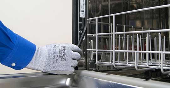 تمیز کردن لاستیک دور درب ماشین ظرفشویی